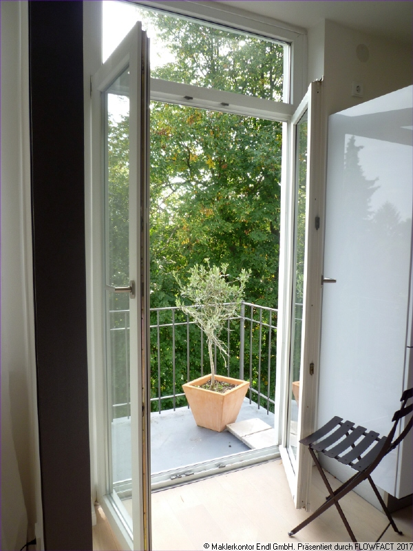 rückwärtiger Balkon