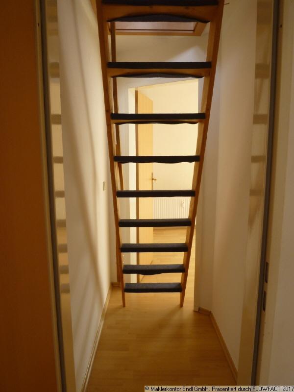 Abstellraum und Treppe