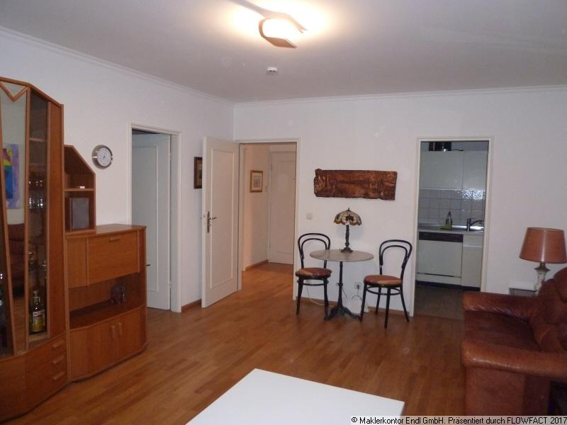 Wohnraum mit Zugang zu den anderen Zimmern